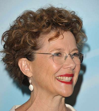 Hairstyles-for-women-over-55-with-glasses