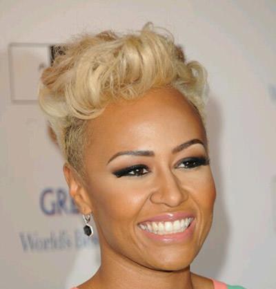 Mid-length-hair-styles-for-women-over-50