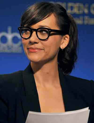 7 Best Hairstyles For Women Over 50 With Glasses
