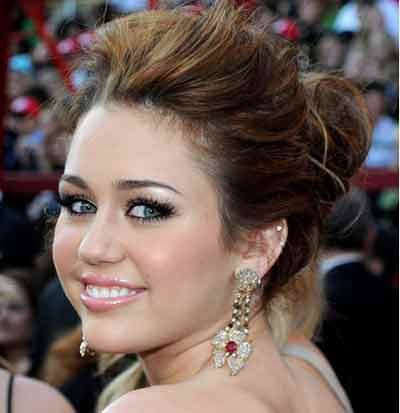 round-face-updo-hairstyles