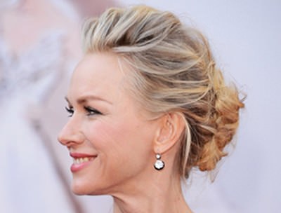 6 hairstyles for women over 50 with naturally curly hair