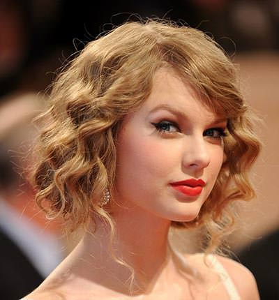 Easy-Prom-Hairstyles-For-Medium-Hair